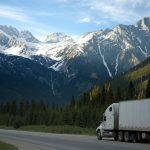 Quali normative garantiscono la sicurezza nella movimentazione di merci pericolose