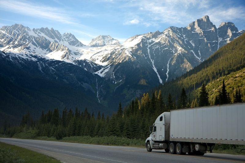 trasporto-merci-pericolose-d&g-de-luca-trasporti