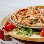 """I migliori condimenti """"svuotafrigo"""" da mettere sulla pizza"""